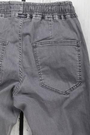 Męskie spodnie joggery szare klasyczne